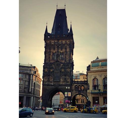 Барутната кула