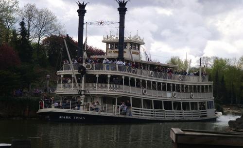 Корабът Марк Твен