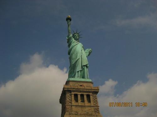 Статуята на свободата в цял ръст