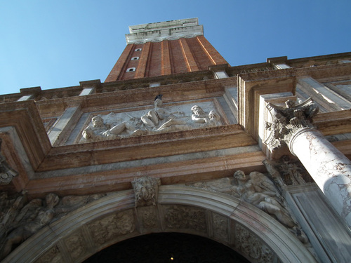 Кулата - камбанария на Сан Марко - Campanile di San Marco
