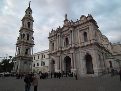 Базиликата Света Дева Мария на Светата Броеница