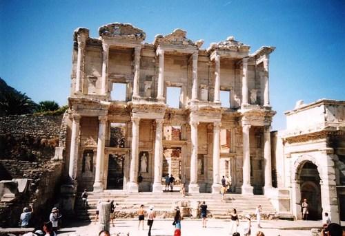 Библиотеката в Ефес