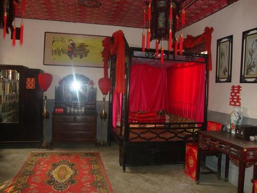 Стаята на младоженците