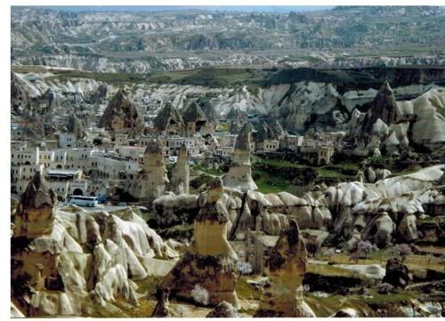 Панорамен изглед към Долината на гълъбите
