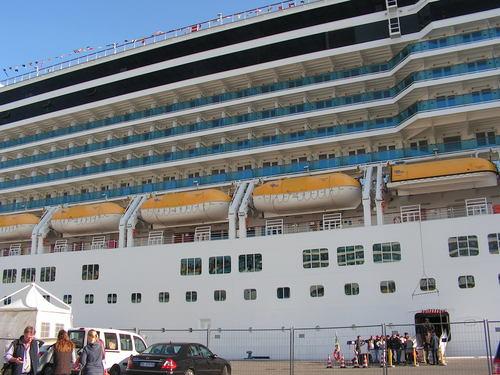 Нашият кораб Costa Deliziosa отблизо