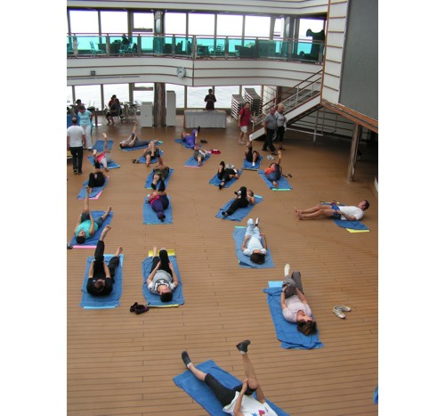 Сутрешна йога на борда