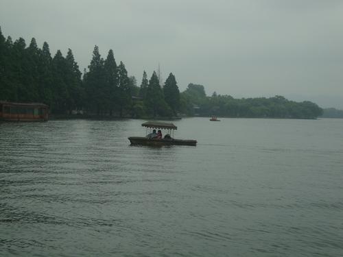 Езерото Сиху под дъжда