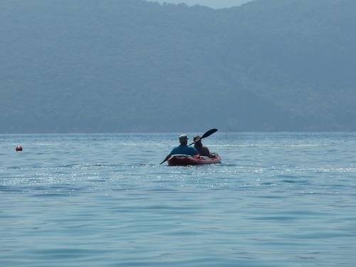 С лодката