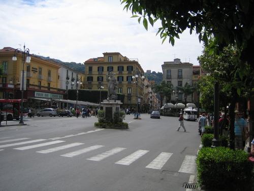 Площадът в Соренто