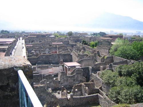 Помпей, руините от високо