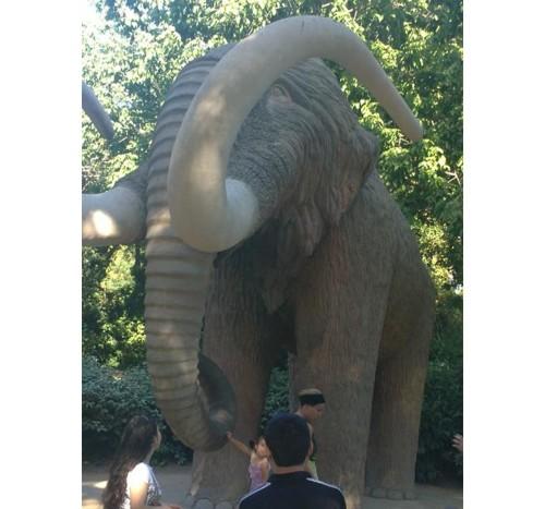Барселона, статуя на мамут