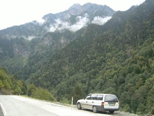 През планината Кавказ