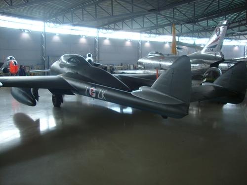 Част от колекцията от военни самолети