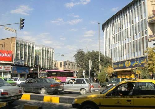 По улиците и площадите на съвременния Шираз