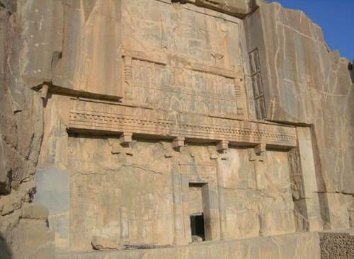 Гробницата на владетеля Артаксеркс IІІ