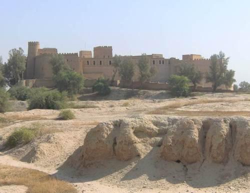 Новата крепост се издига над руините на Суса