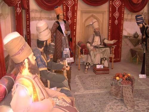 Дворецът на Карим хан е отворен за посещения и в залите му са разположени музейни експонати