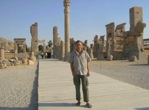 Сред  руините на Дворците в Персеполис