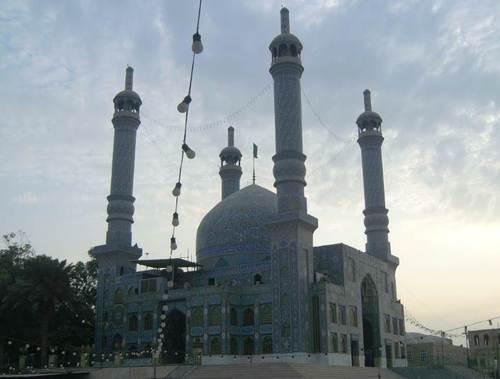 Новата джамия е с внушителни размери
