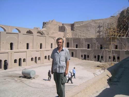 Средновековният Арг-е Бам, изграден от кирпичени тухли и глина