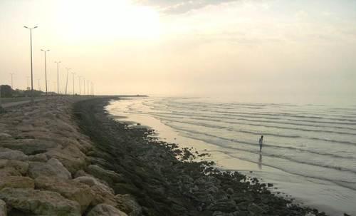 Скалите, по които се изпързалях, бързайки да наджапам в морето