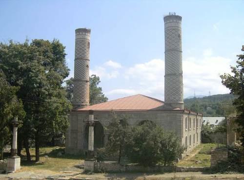 Централната джамия в Шуши (Шуша на азерски)