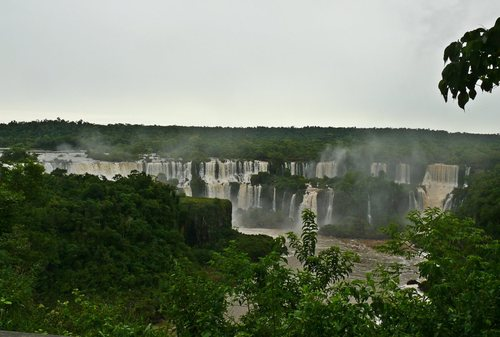 Изглед от бразилската страна
