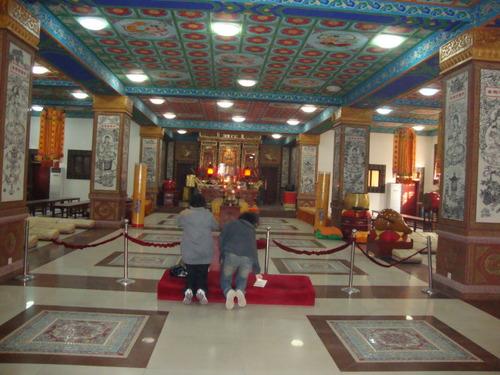 В храма