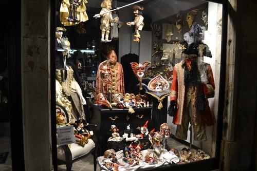 Венеция, магазин за кукли и костюми