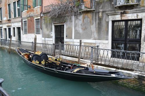 Венеция, луксозна гондола