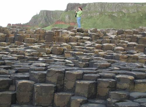 Най-впечатляващата група камъни е оформена като приказен хълм