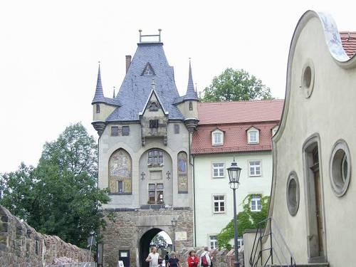 Входа на двореца Албрехтсбург