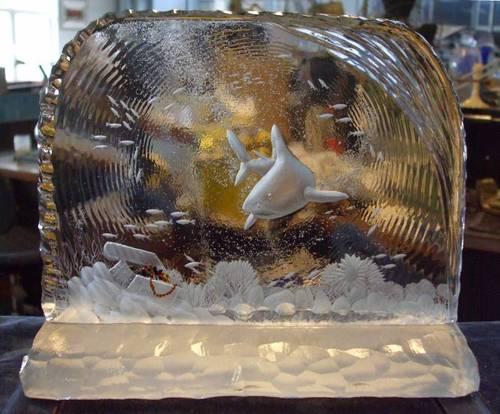 Кристални вази с най-разнообразна форма и различни орнаменти