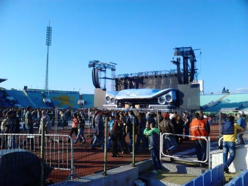 Сцената за концерта на Бон Джови в София