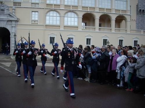 Монако, смяна на караула пред двореца