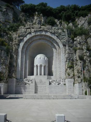 Ница, Мемориал на загиналите през ВСВ