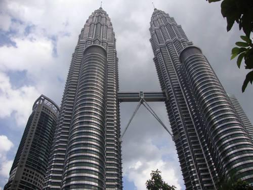 Величествените Кули близнаци
