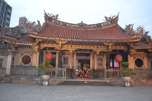 храмът Лонгшан
