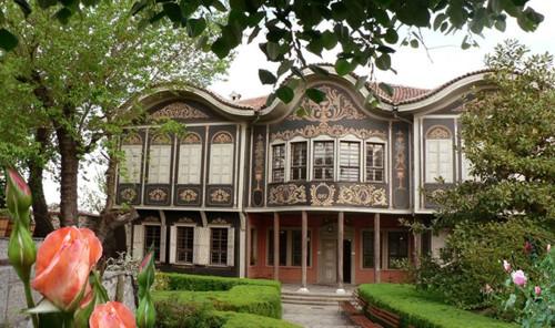 Красивата сграда на Етнографския музей в Пловдив е национален паметник на културата