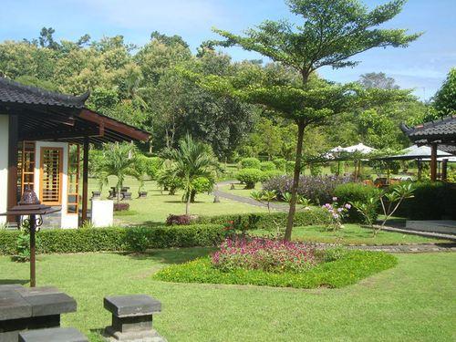 Градината на Манохара хотел Борободур