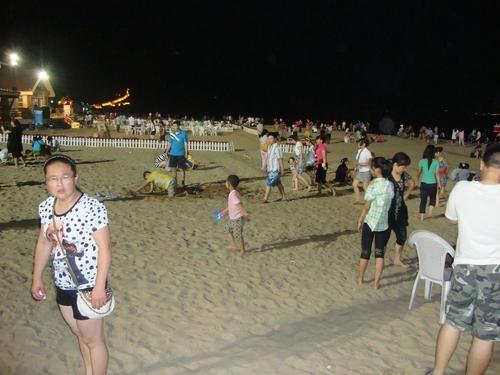 Плажът нощем