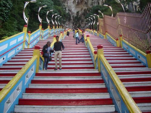 272 стъпала към Batu Caves