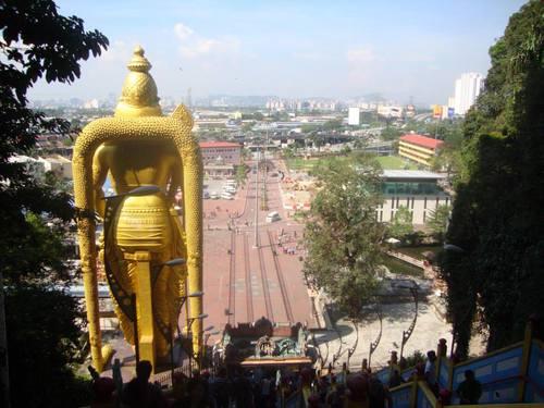 поглед от Batu Caves към Куала Лумпур