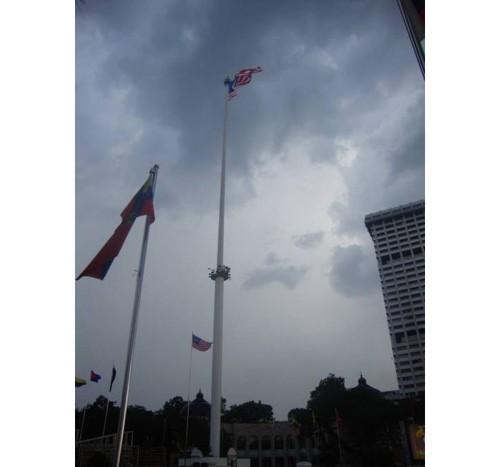Пилонът с националния флаг на Малайзия
