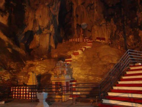 Temple Cave- главната пещера на Batu Caves