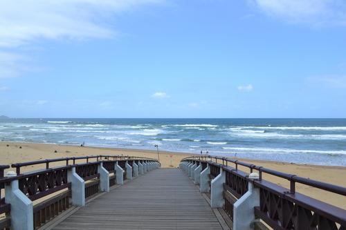 Фулонг, Мостът към плажа