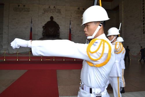 Тайпе, мемориал Чан Кай Шек, почетен караул