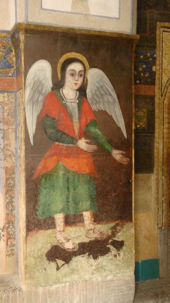 Доброто ангелче е слязло от небесата и ни кани да влезем.