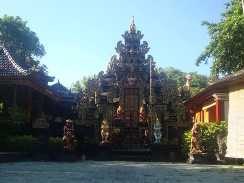 хотелският храм