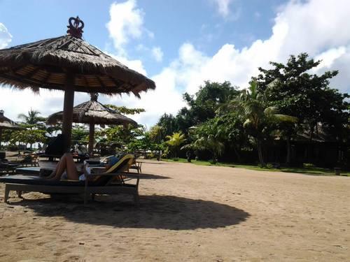 плажът на хотел Bali Tropic Resort & Spa